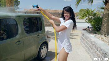 Car Washing Hottie