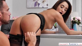 Isabella Nice Turns Her Lame Desk Job Into a Sex Cam Show