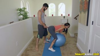 Working Out With The Foxx