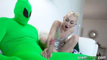Pussy Raid On Area 51