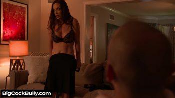 Sharon Fuller (Diamond Foxxx) fucks and sucks huband's bully
