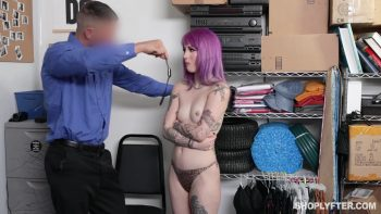 Shoplyfter – Val Steele