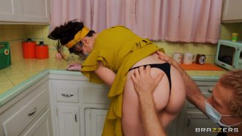Siouxsie Q's Anal Kitchen Cleaning