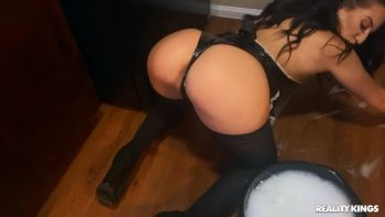 PAWG Maid Loses Bet