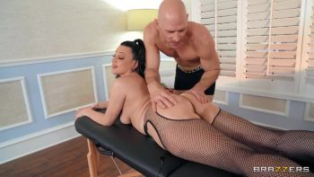 Massaging Mona